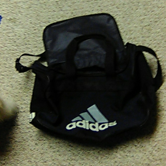 Adidas medium sports bag,